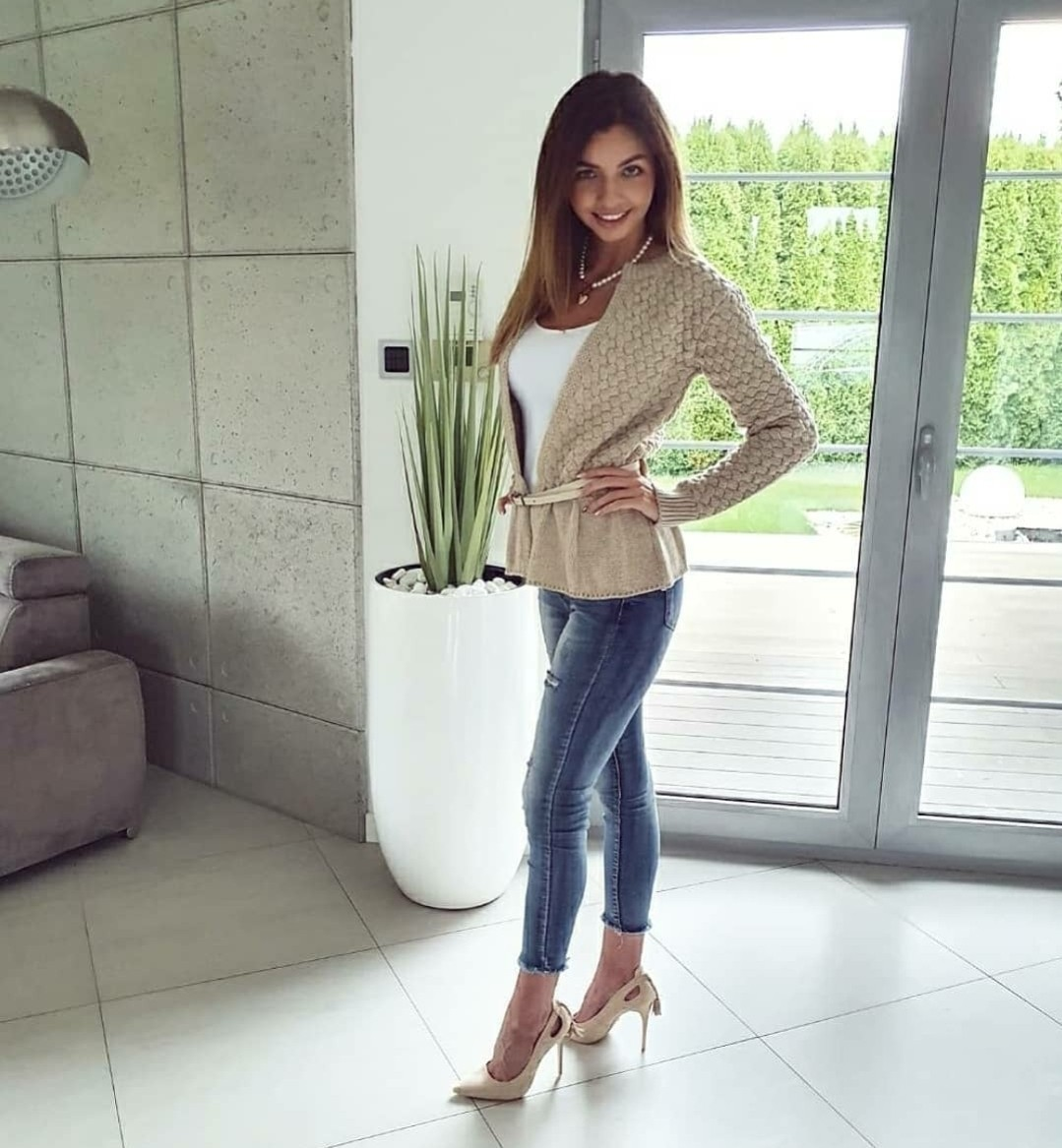 Sweater with Frill – Bage